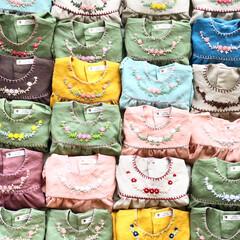 刺繍/ワンピース/ブラウス/子供服/ハンドメイド/ベビー服 Loulouを着せてあげると  娘は胸元…