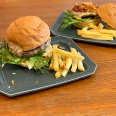 ガッツリご飯/こどものいる暮らし/ハンバーガーランチ/休日ランチ 丼もの、麺類と簡単になりがちな春休みのラ…