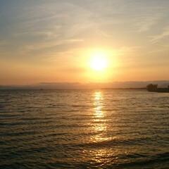 琵琶湖/夕陽/夕焼け/夕暮れ/風景/景色/... 琵琶湖の夕陽がとても美しくて、この時間が…