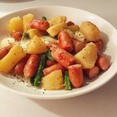 おつまみ/ジャーマンポテト/簡単料理/簡単レシピ/料理/おかず/... モッツァレラチーズ入りジャーマンポテト。…