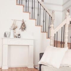 マイホーム/リビング/輸入住宅/リビング階段/アンティーク調/マントルピース/... 我が家のリビングです。