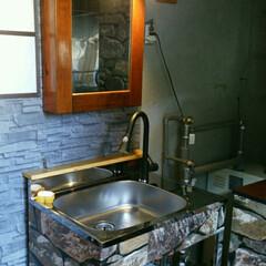 我が家の照明/洗面台/照明 自作の洗面台に照明を取り付けました。  …