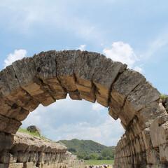 オリンピック/ギリシャ/石/青空/アーチ/競技場/... オリンピア競技場の入り口にかかる石のアーチ