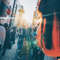 はじめてフォト投稿/光/渋谷/友達/高校生/JK 人の行き交う風景を撮ろうとした先にたまた…