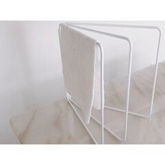 山崎実業 折り畳み布巾ハンガー タワー ホワイト | TOWER(物干しハンガー、ピンチ)を使ったクチコミ「towerの布巾ハンガー *シンプル *…」