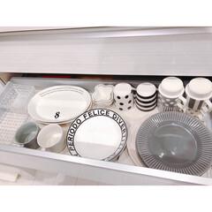 アカシア 木製プレート L 白 AA-003WH | マークスインターナショナル(皿)を使ったクチコミ「カップボードは引き出し多めに変更しました…」