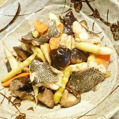 わたしのごはん/創作料理/手料理/居酒屋メニュー/おうち居酒屋/おつまみ/... 【💞姫竹とスズキの煮物💞】  ニンニクゴ…