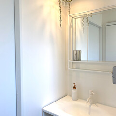 ホテルライク/洗面所/洗面所インテリア/洗面台 一階の手洗いです♪ 真っ白でお気に入り!