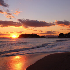 夕日/江ノ島/海岸/海/おでかけワンショット バイバイ。綺麗なのに切ない、一日の終わり。
