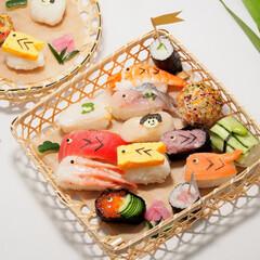 子供の日/端午の節句/子供の日ご飯/鯉のぼり寿司/お寿司/お家ご飯/... 去年の子供の日ご飯🎏🍣  鯉のぼり寿司は…