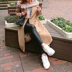 fashion/code/outfit/スニーカー/スニーカーコーデ/GU/... GUのダッドスニーカー パンツにもフェミ…