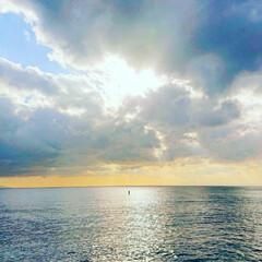 日の出/三浦半島/絶景/幻想的/太陽/ハート/... こちらは三浦半島に行った時の海💕 奇跡的…