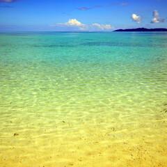 グラデーション/海/黄色/緑/青/変化/... 沖縄県の南西諸島の竹富島のカイジビーチか…