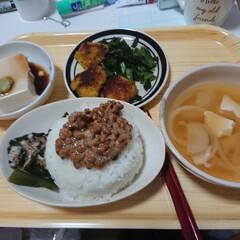 佐渡産コシヒカリ/無洗米/玄米高い/りミア どっちもだけど、ご飯だったら納豆やちゃ〜…