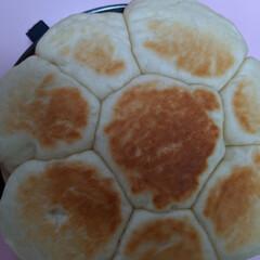 YouTube動画 フライパンでパンを焼きました! 発酵1時…