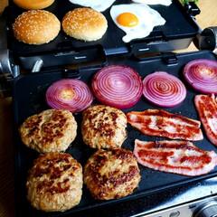 おうちごはん/手作り/休日ランチ/ハンバーガー/料理/ランチ/... 別アングルも何枚か♥️ 外は寒いけどおう…(4枚目)