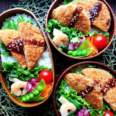常備菜/cooking/料理/作り置き/野菜たっぷり/わっぱ弁当/... ハムカツ弁当でおはよう ございます🙇 お…
