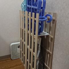 100均DIY/ランドリー収納/はじめてフォト投稿/収納/DIY 100均の木材で洗濯パン隙間埋め 100…