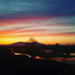 山/夕焼け/夕焼け空/はじめてフォト投稿 スマホでの撮影ですが、凄く色合いが綺麗に…