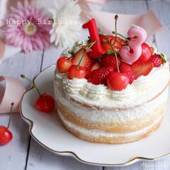 おうちカフェ/手作りケーキ/手作りスイーツ/いちご/ネイキッドケーキ/誕生日ケーキ/... 今日は娘の誕生日です お祝いにいちごのネ…