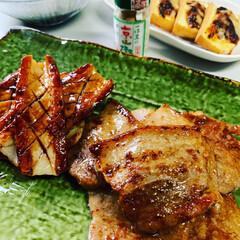 スタミナご飯 鰻じゃなくて豚バラと竹輪😆