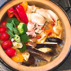 おうちごはん/モロッコ/ハリッサ/鍋料理/ご飯/キャンドゥ/... 😋おうちごはん 〜♬  火を噴く辛さ 🌶…