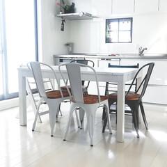 窓枠DIY/北欧インテリア/スカンジナビアンインテリア/DIY/100均/セリア/... 本当は見せる収納も憧れるけど、何より掃除…