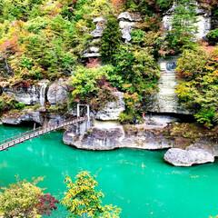 福島県/塔のへつり/はじめてフォト投稿 福島県の観光地、塔のへつりです。紅葉シー…