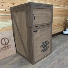 男前インテリア/ガレージ/冷蔵庫リメイク/キッチン収納/簡単/おしゃれ/... 自宅のガレージに冷蔵庫を置きたく、普通の…