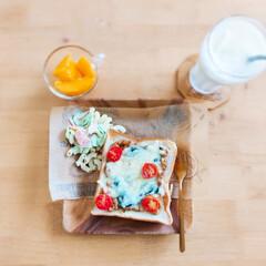 ビネグイットまろやかりんご酢ドリンク(6倍濃縮タイプ)(健康飲料)を使ったクチコミ「カレーの翌朝は、カレーチーズトーストにす…」