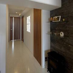 廊下 廊下の格子窓は、「待ちの小道」をイメージ…