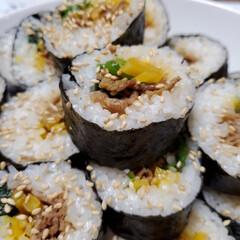 海苔巻き/韓国風/ご飯/節約 韓国風海苔巻き作ってみましたぁ。 味付け…