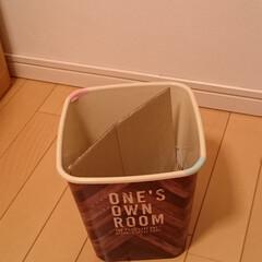 子ども部屋/ゴミ箱/セリア/100均/ゴミの分別/楽家事 子ども部屋のゴミ箱はスペースの関係で1つ…