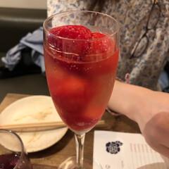 イチゴ/ワイン/こんがりグルメ/はじめてフォト投稿 イチゴスパークリングワイン🍓🍷