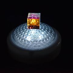 照明/宝石/プチプラ照明/プチプラ照明見つけた! 宝石的なおもちゃを照明に乗せて光らせてみ…