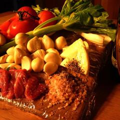 家庭菜園/信州産馬肉/信州味噌/発泡ワイン/家庭菜園にんにく/信州原村セロリー/... 家庭菜園で採れたにんにく、トマトを地元の…