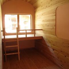 エコハウス/土壁/しっくい 森風エコキャビン  寝台車をイメージした…