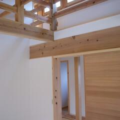 しっくい/寝室/木組 みらいのいえ 寝室入り口   木組みとし…