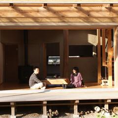 土壁の家/テラス みらいのいえ テラスと建て主様ご夫妻