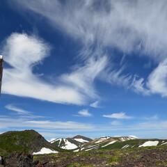 北海道/大雪山/小泉岳/空/ブルー 北海道小泉岳山頂のスカイブルー 雲が何か…