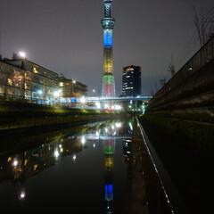 スカイツリ-/夜景/川/カラフル/東京/おでかけワンショット 2019.3 北十間川の遊歩道から見上げ…