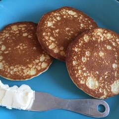 朝食/パンケーキ/ピカール/冷凍/簡単/発酵バター/... 今日の朝食は、パンケーキを いただきまし…