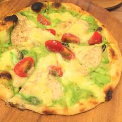 こんがりグルメ/ピザ/薄皮/イタリアン こんがりグルメといえば、ピザ。 薄皮のパ…
