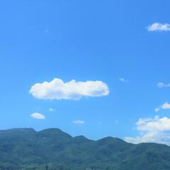 令和元年/景色/風景/空/雲/山/... 今日の風景。 雲がのんびりしているみたい…(1枚目)