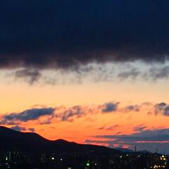 今日の空/夕日/夕焼け/景色/風景 今日の空。 夕日が沈んだ後のオレンジの空…
