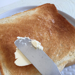 私のご飯。/トースト/発酵バター/わたしのごはん 私のご飯。 朝はトーストです。発酵バター…