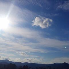 今日の空/快晴/太陽/撮影/カメラ/ラッキー/... 今日の空。 太陽が眩しくて快晴の空です。…