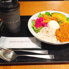 今日のランチ/成田空港/ディーンアンドデルーカ/キーマカレー/紅茶 今日のランチ。 成田空港にてディーンアン…