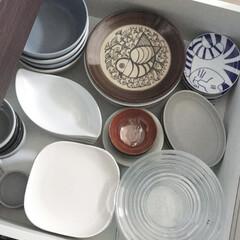 キッチン/キッチンボード/収納方法/シンプル/シンプルライフ/お皿収納/... お皿の収納はキッチンボードの引き出しに収…