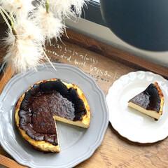 IKEA食器/スイーツ作り/おやつタイム/手作りおやつ/おうちおやつ/おうちカフェ/... バスク風チーズケーキ🍰 ミキサーで混ぜて…